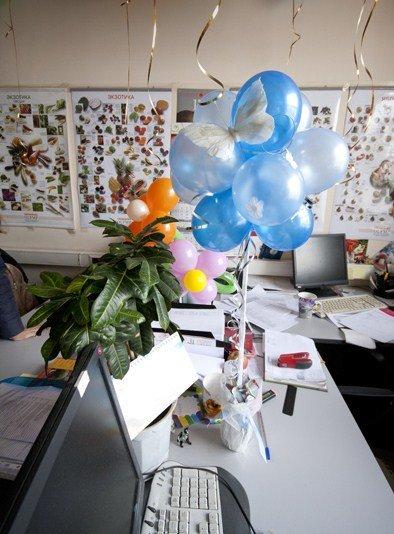 Как украсить офис на день рождения
